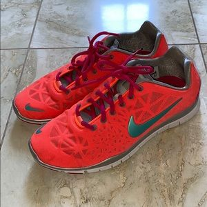 Nike Free TR Fit 3 Neon Coral/Turquoise/Pink 8.5